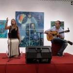 """La cantaora Tania Cumbreras interpreta sus """"Cantes de ida y vuelta""""."""