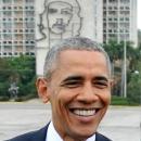 Barack Obama se toma una foto en la Plaza de la Revolución con el Monumento al Che