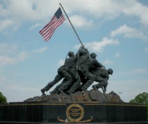 Felix de Weldon, Marines Izando la Bandera en Iwo Jima, Virginia, en el Memorial del Cuerpo de Marina de Guerra en el Cementerio Nacional de Arlington